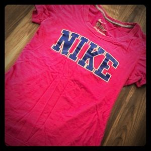 Nike slim fit top size small